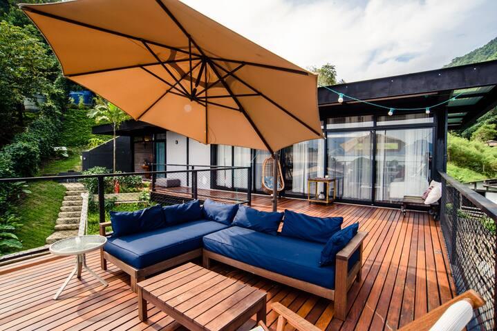 Vista Mar, Jacuzzi, Terraço e Lounge, 2m da Praia