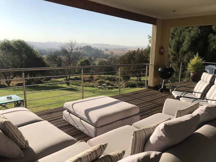 Lovely two bedroom bungalow - Fish Eagle Lodge