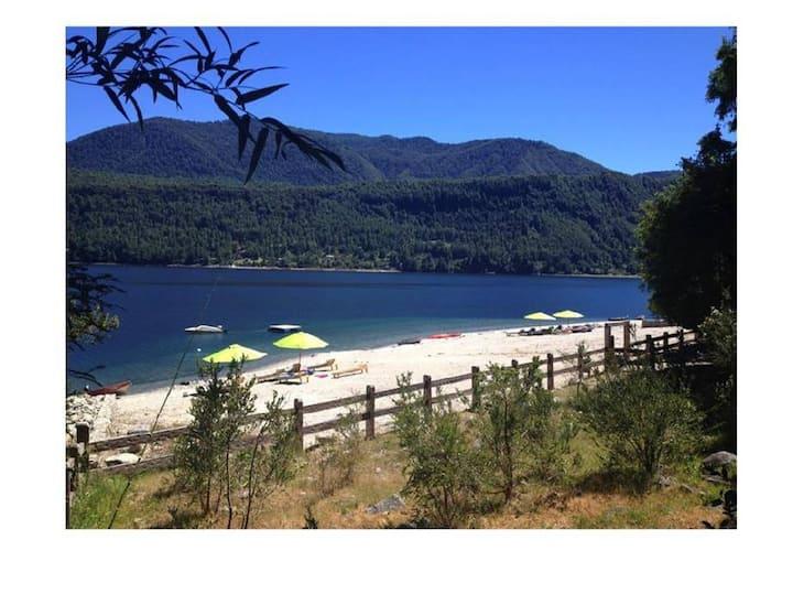 Caburgua Lake - Orilla de Lago -18 people Mañio