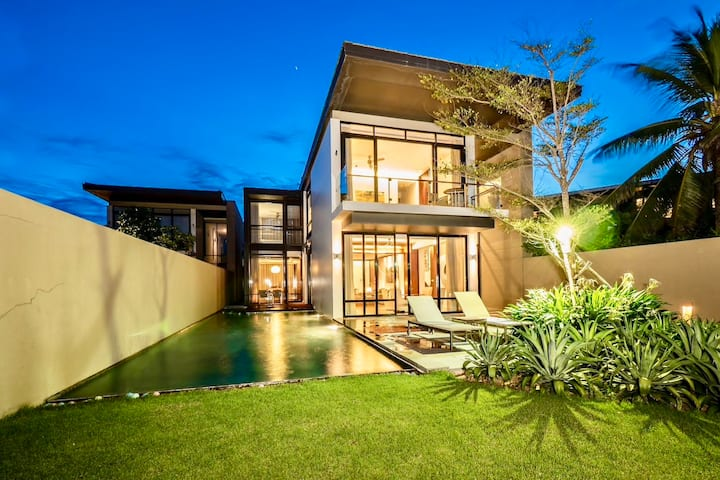 Beachfront villa  3bedrooms romantic for honeymoon