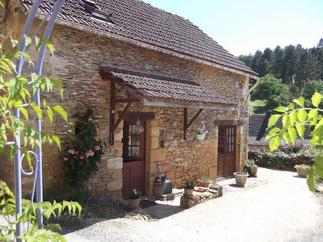 La Maison de Moncrabou - Castels - Huis