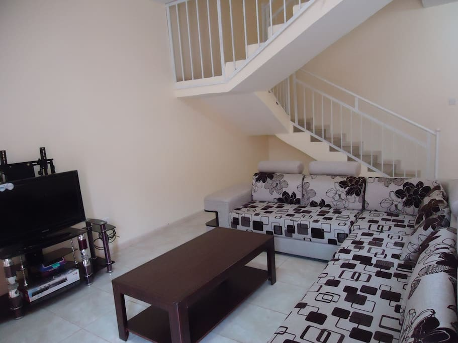 2 Bedroom Apartment fully furnished with large living room
