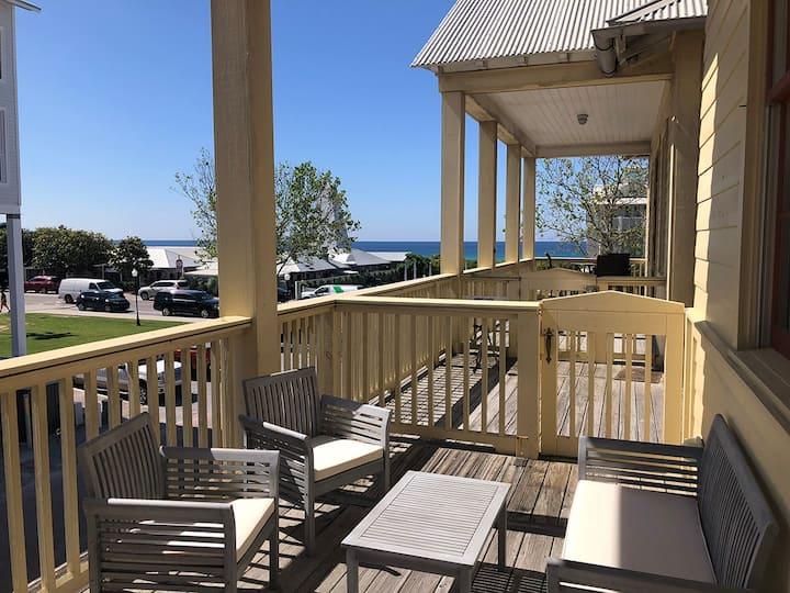 A Ritz Sea Inn in Seaside, FL