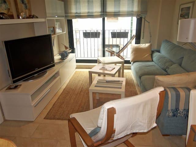 Apartamento con parking y wiffi a 50m de la playa