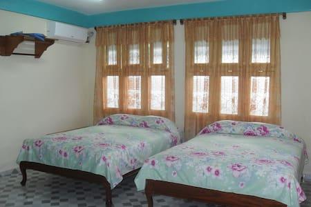 Casa Abel y Yane - Baracoa - Huis