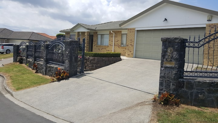 Private home by Airport. Single level family home.
