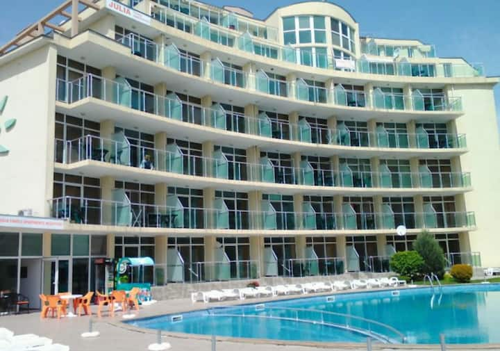 Sunny Beach Nice 4 person Apartment with pool
