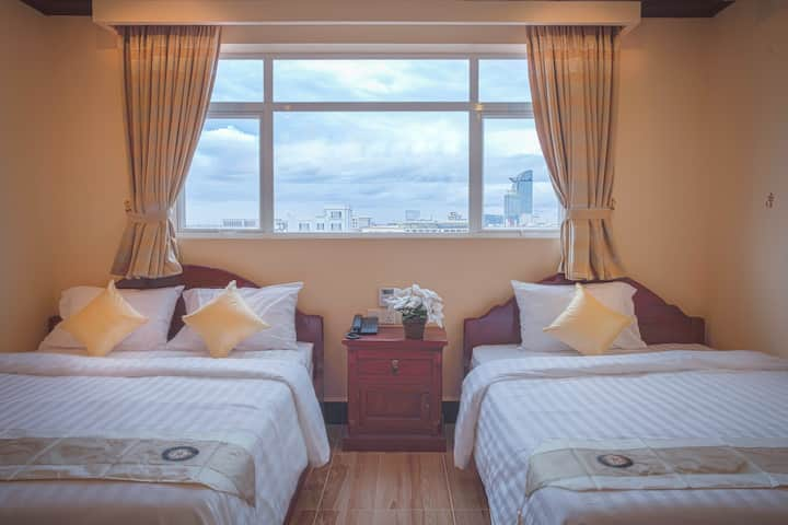 The Mou Hotel - Triple Room Free breakfast
