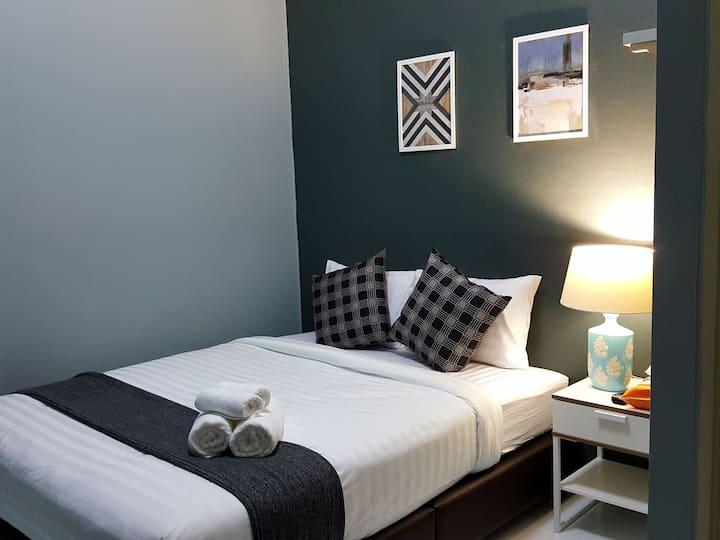 Near Khao San Road only 10 mins New cozy room /303