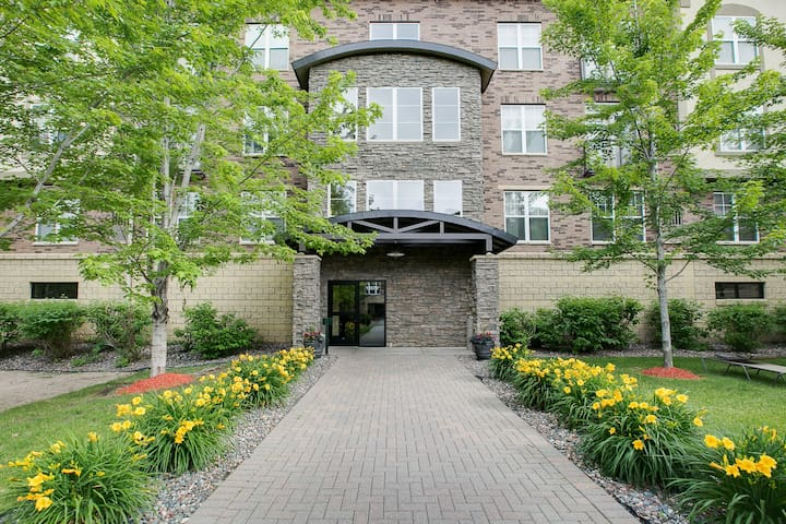 Luxury 2 bedroom Condo - Eden Prairie - Kondominium
