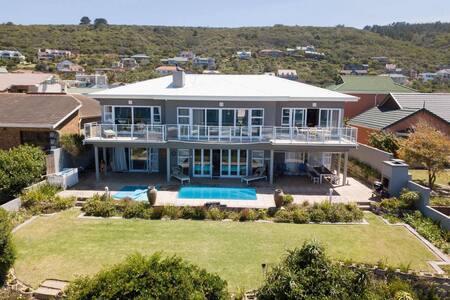 Lungile vacation accommodation