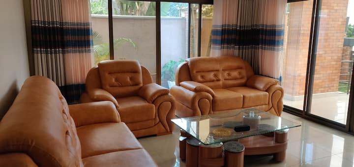 Kigali Expat &Tourist Suite+Free Airprt pckup+WiFi
