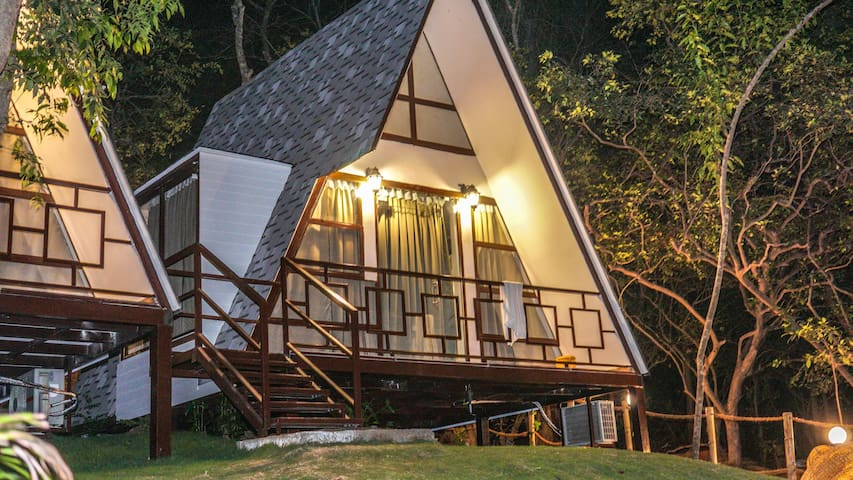 XOXO Hostel 6-Bed Sharing Dorms