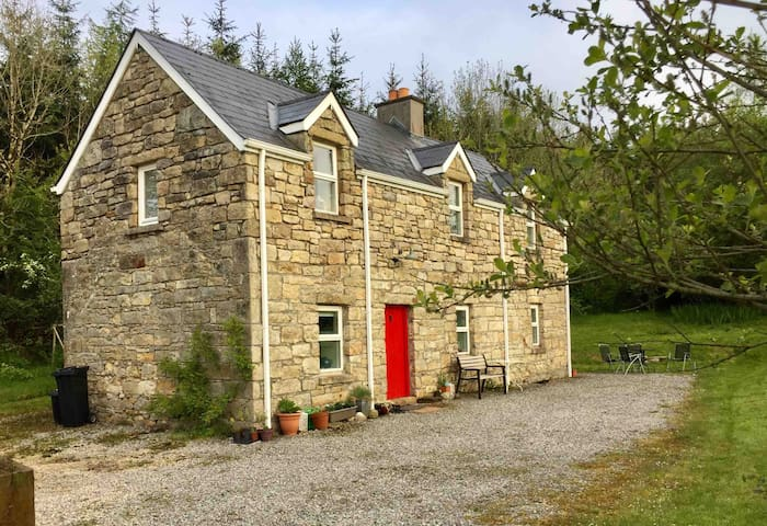 Stone Cottage in Private Rural Location.
