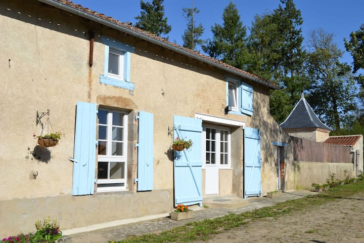 Le Pigeonnier - a tranquil getaway in rural France