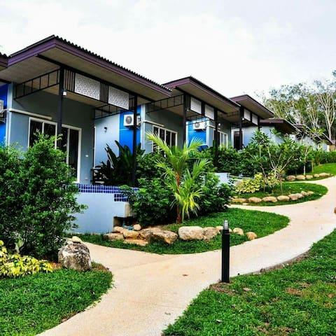 Chomphu Resort, Khaolak