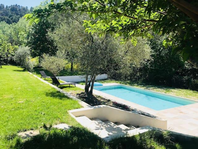«La Marolou», petit coin de paradis près d'Aix