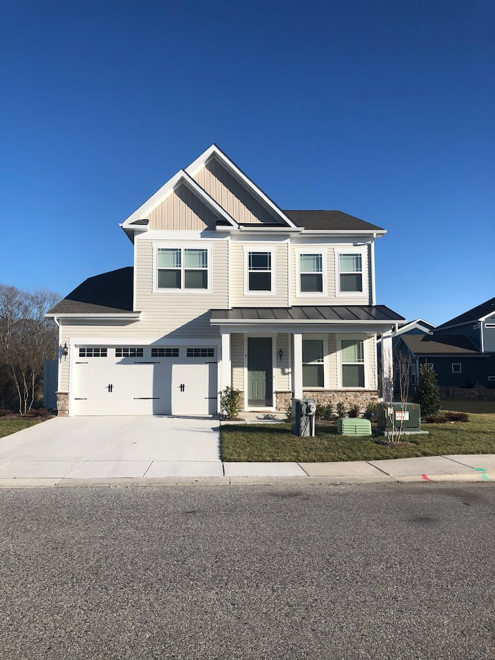 BRAND NEW house 1.5 miles from Bethany Beach!