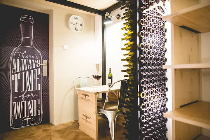 Cozy studio (wine) with awesome garden