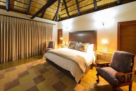 Mmakuba - Two-bedroom Villa
