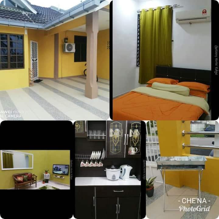 Che Na Homestay @ Taman Skudai Baru,Johor