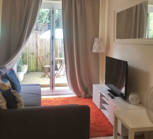 Cosy studio flat in Hampstead London NW3