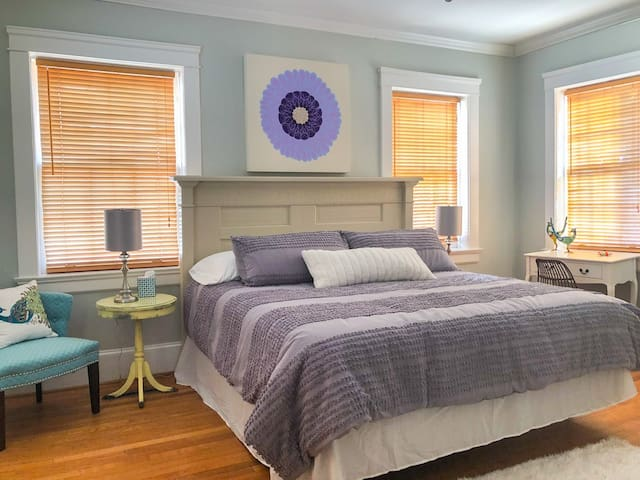 Airy bedroom with King bed