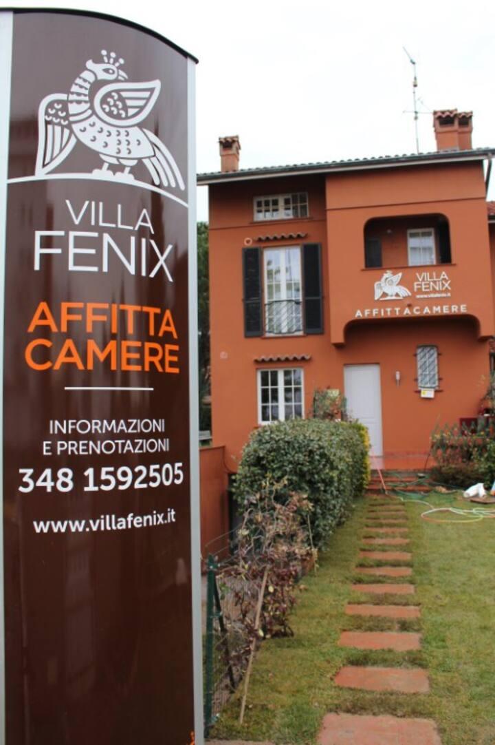 Villa Fenix Osio Sotto. Camere con bagni privati
