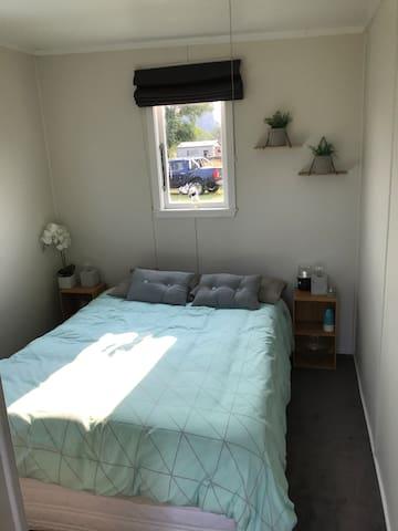 Sleepout room (bedroom 4)