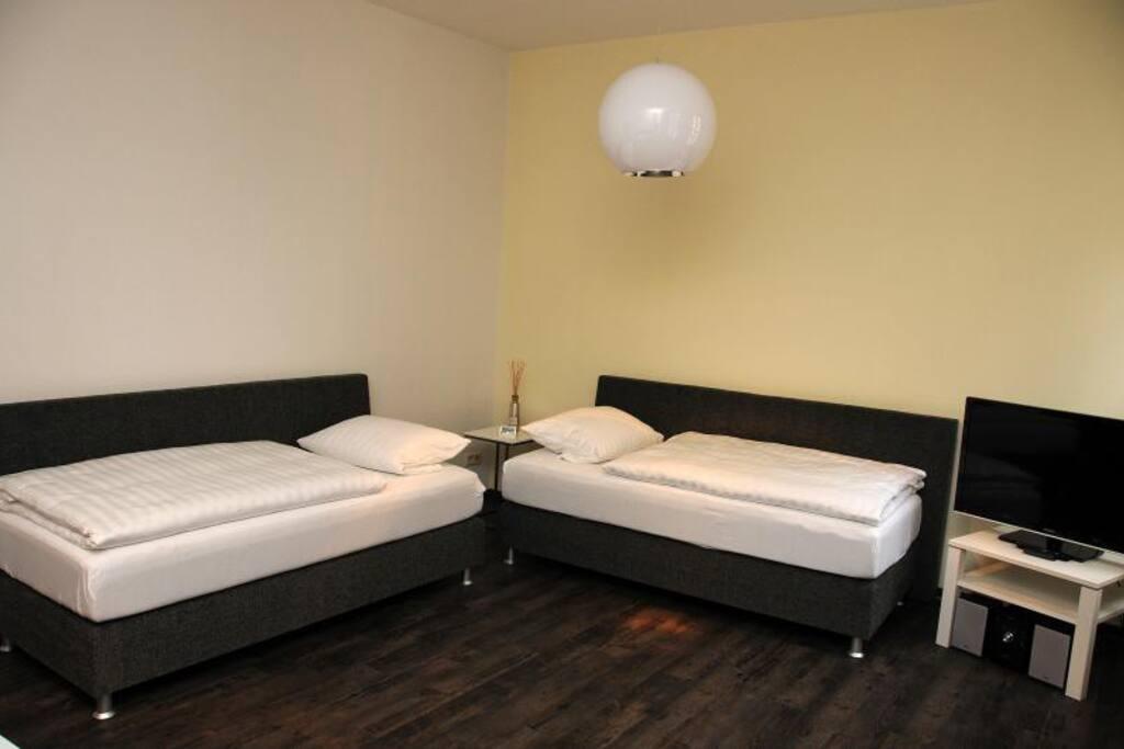 Schlaf / Wohnbereich (wenn Betten auseinander)