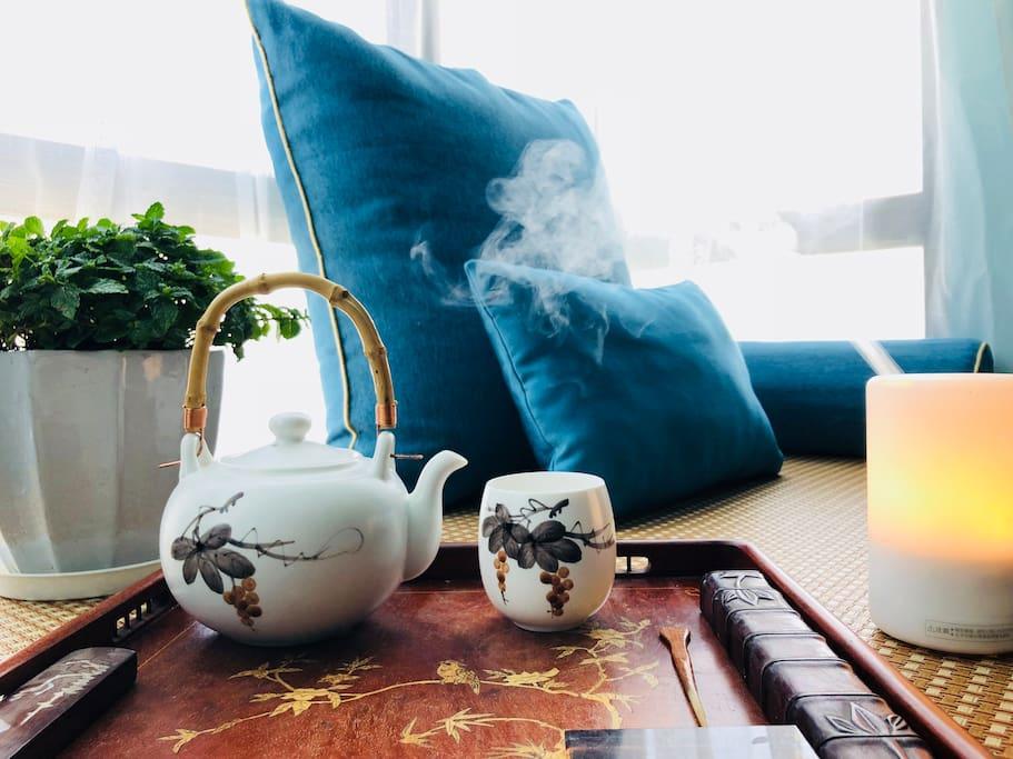 禅茶意境:卧室飘窗台,可供茶歇、观景、休息。