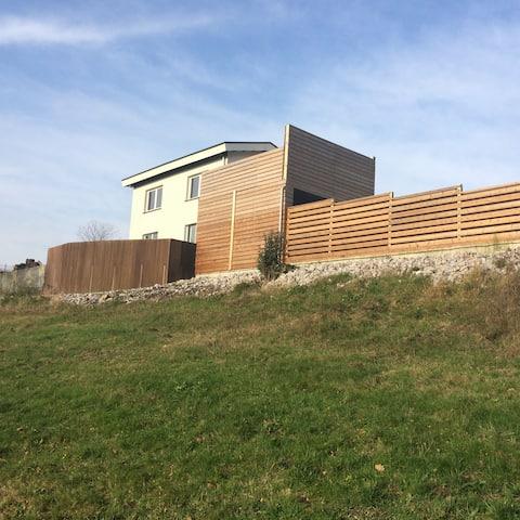 Maison lac de l'eau d'heure avec terrasses & sauna