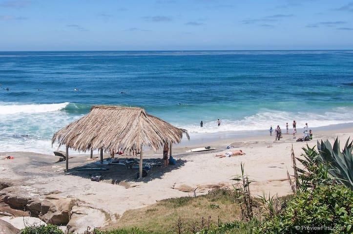 The famous Shack at Windansea beach