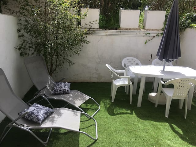 flat 32m2 with a17 m2 garden Porticcio seaside
