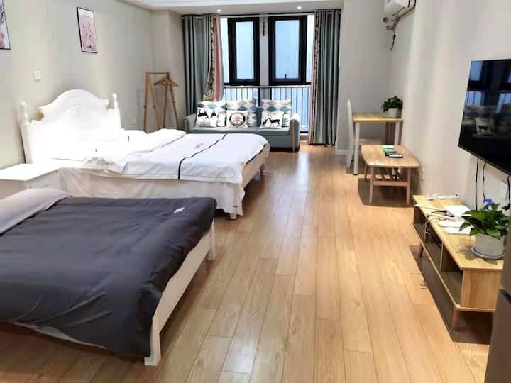【好马公寓】万达广场马钢大楼亲子双床房 智能门锁 快速入住 无押金