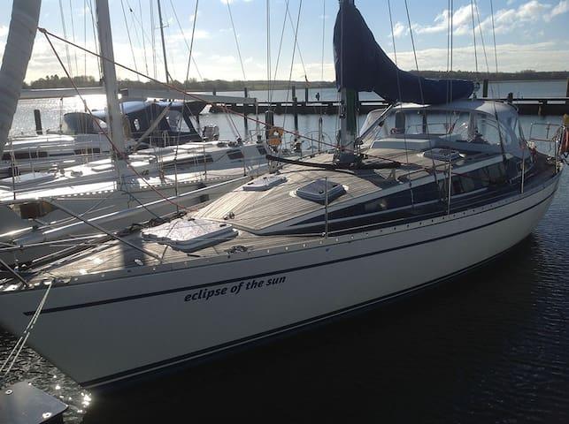 Yacht als Unterkunft im Zentrum von Greifswald!