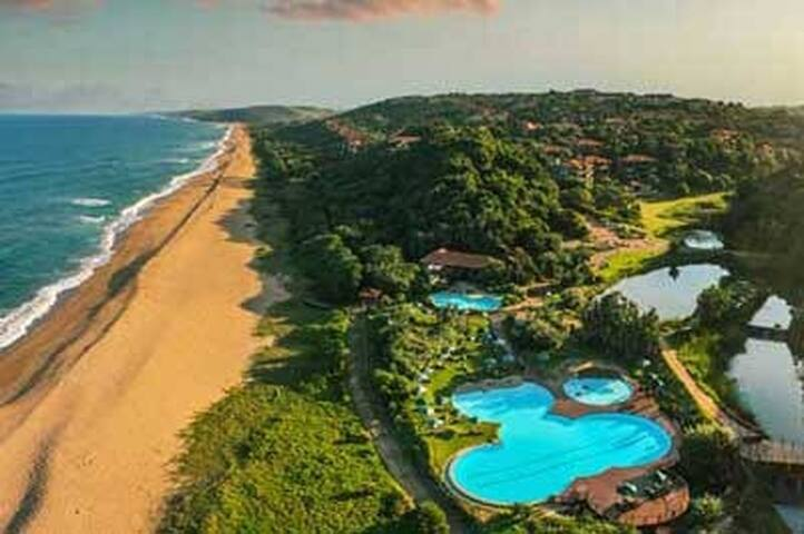 Zimbali Apartment- 2 sleeper all access to estate