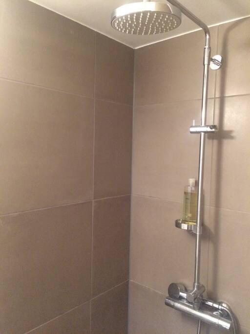 Brusekabine - nyt badeværelse