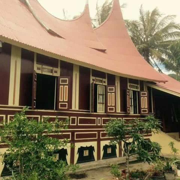 Rumah gadang Sungai angek