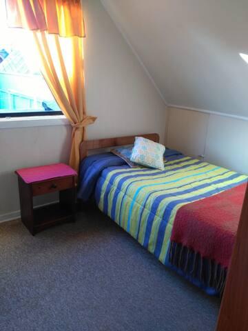 Habitación individual con desayuno casero