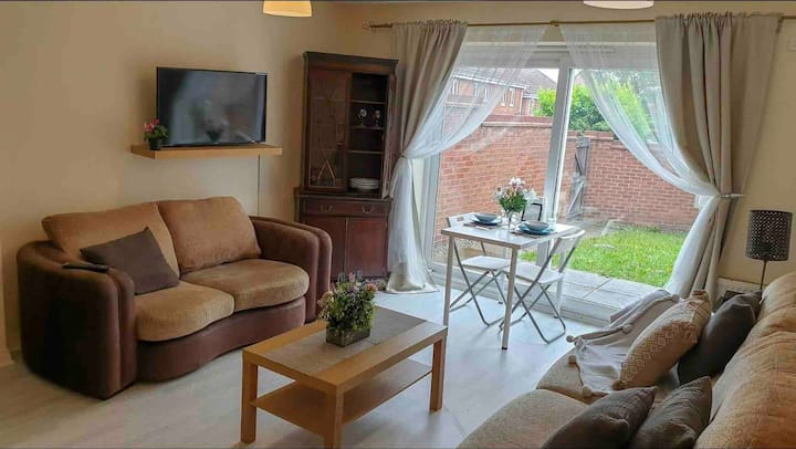 Furlong family home ★ Perfect for Contractors ★