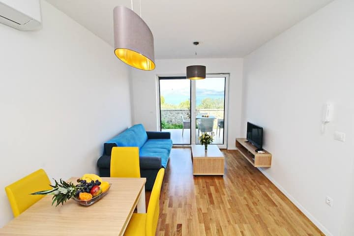 Kula - One Bedroom Apartment with Terrace and Sea View C1