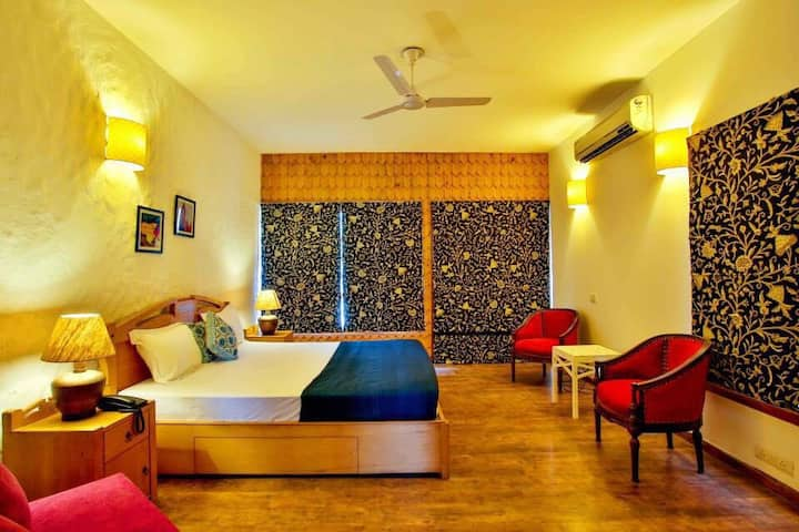 Home Stay - 4 BR Duplex Villa in Gurgaon !!!
