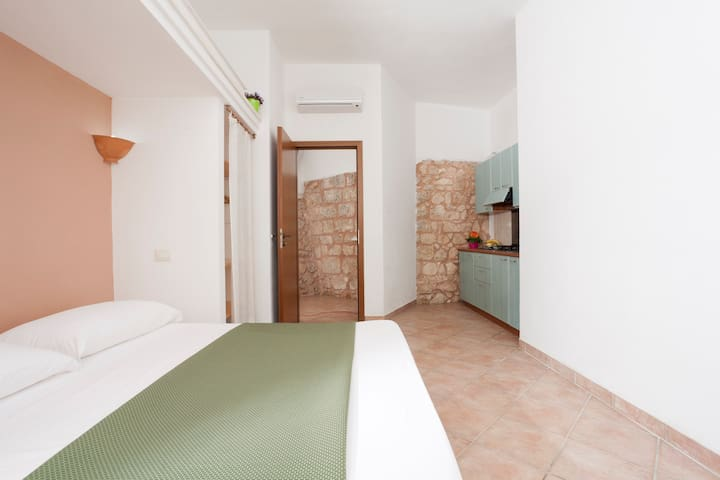 Studio in Villa Trulli with swimming pool