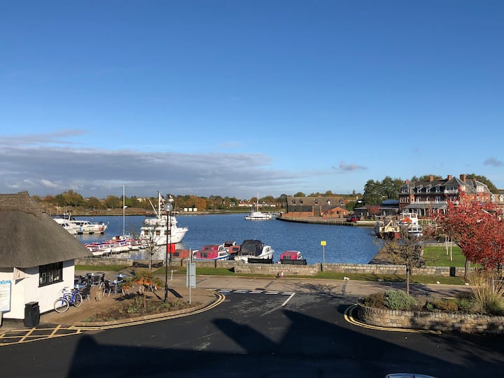 Swan View. A diamond in the heart of Oulton Broad.
