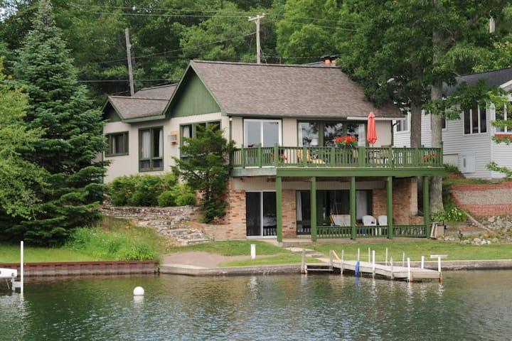 Clear Lake Resort - Cabin 10 w/private dock