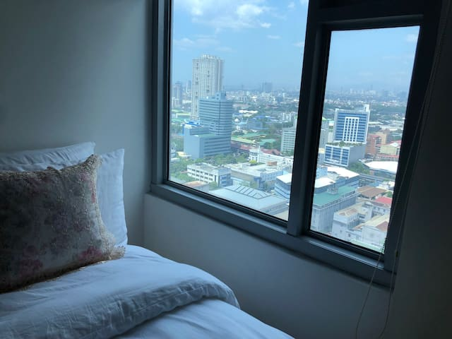 Wake up with a view of Manila