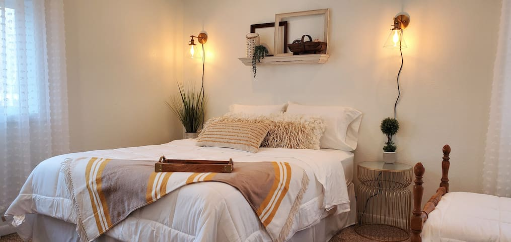 Queen bedroom with a farmhouse touch