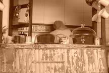 Vista cocina con barra