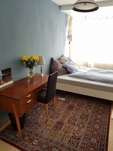 Bright, stylish room in central Kreuzberg!